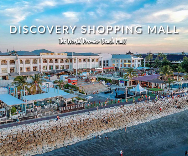 Shopping While Traveling at Discovery Shopping Mall