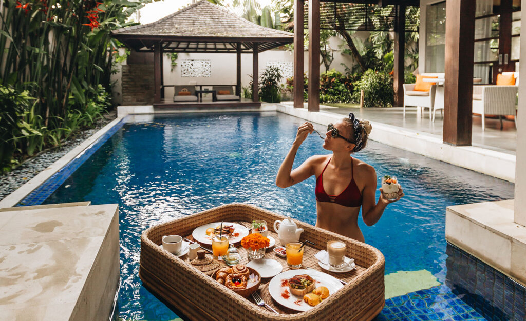Enjoying a vacation while relaxing in a luxury hotel is sure to be the dream of many people. This can be realized by having a vacation on the island of Bali and staying at the Alaya Resort Hotel.